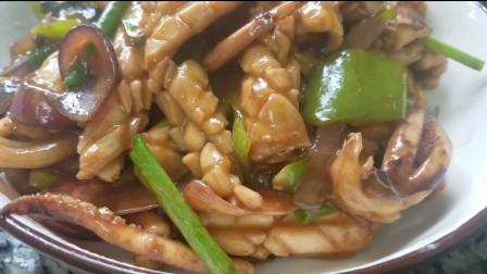 鱿鱼的家常菜做法,很好吃的一道菜,营养美味又下饭,味道很棒