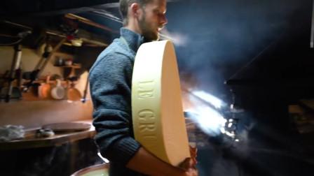 """奶酪中的""""巨无霸"""",比车轮还大的奶酪,想上去想咬一口"""