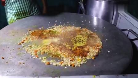 印度街边土豪蛋炒饭,一份放了8个鸡蛋,看的真好吃