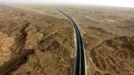 连续穿越三大沙漠,中国打造全球最长沙漠公路,老外直言世界奇迹