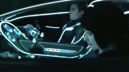 创战纪:从来都是英雄救美,没想到这美女的车技更炫酷!