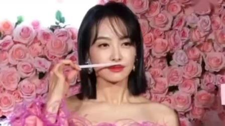 粤夜粤娱乐 2019 宋茜一身花仙子造型为香氛品牌做宣传