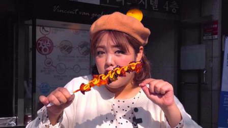 鲜嫩多汁的鸡肉,加上蔬菜和香浓的芝士,满满都是韩国街头风味!