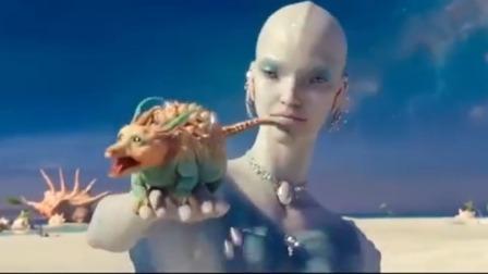 星际特工:外星女用珍珠洗脸,更宝贝的是宠物,吃颗珍珠产无数个