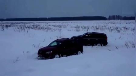 哈弗H5不一定很差劲,德系汽车雪地陷入,不行了不行了!