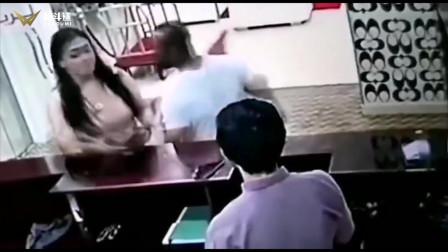网红女孩店门口三脚KO男子爆红,网民纷纷感叹女子不是好惹的!