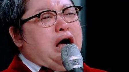 云南流浪小伙一夜唱红的一首歌,韩红李玟哭到失控,黄晓明也流泪