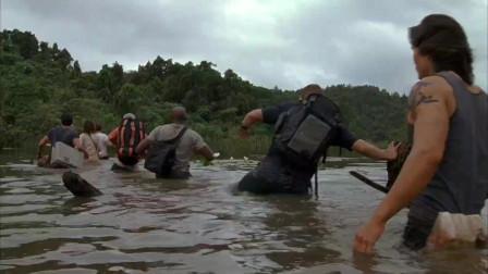 狂蟒之灾: 众人为了节省时间,冒险穿过河流,没想到河流里面居然有巨蟒