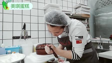 """美琪蛋糕:创意蛋糕""""酒坛子""""送给过生日的女友,女友很高兴!"""