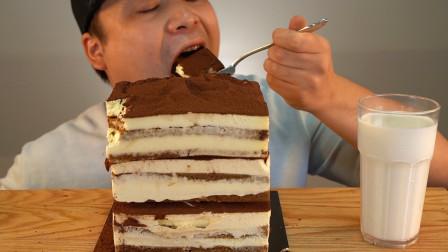 """韩国donkey吃播:""""3层提拉米苏蛋糕"""",看着真诱人,吃得真过瘾"""
