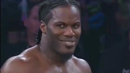 wwe摔角手 曾是WWE摔跤手 因邪魅一笑意外走红 被网友制作成表情包