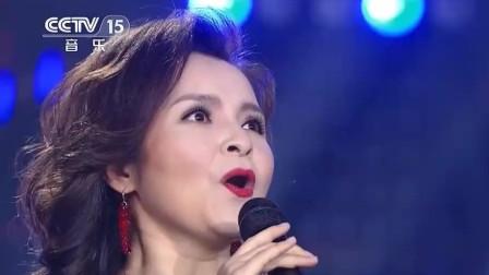 吴碧霞带来新疆风味的《红玫瑰》, 淋漓尽致的演唱, 太有韵味了!