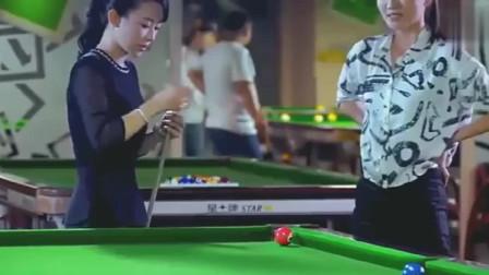 """斯诺克台球:打台球时没巧粉怎么办,台球皇后""""潘晓婷""""也无奈!"""