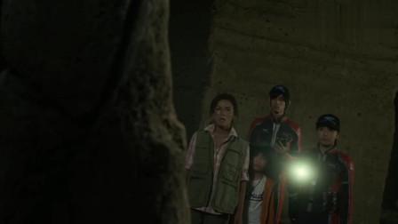 """奥特英雄:黑崎就是持有""""结合之光""""之人吗, 拿走碧石触动了机关"""