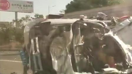 突发!G15沈海高速公路段一面包车撞击油罐车 造成2人死亡1人受伤