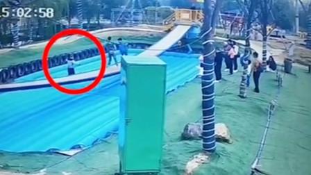 56岁男子网红摇摆桥上跌落后死亡 景区:有游玩年龄提醒