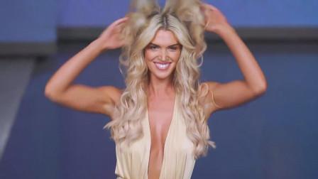 欧美超模泳装秀,撩头发的样子很投入