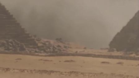 沙尘暴中拍摄到巨型UFO降落画面,看上去太真实了
