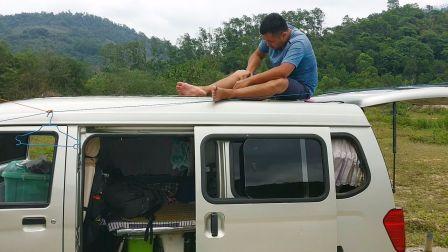 千万别用铝线!维修车顶太阳能板如何选购太阳能发电系统