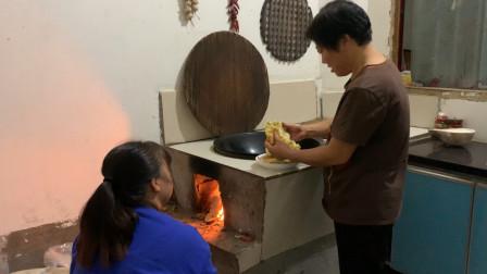河南农村正宗葱油饼,3分钟一张,河南人都爱吃,1天不吃想的慌