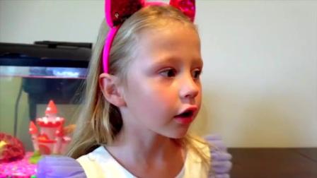 糟糕!萌娃小萝莉的手指不小心受伤了怎么办呢,爸爸快来看看小萝莉啊!