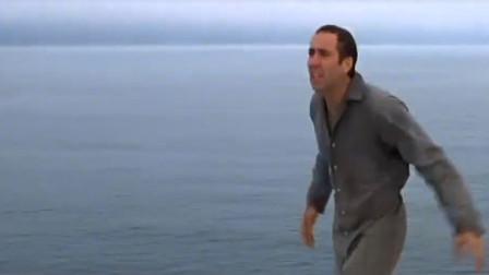 变脸:人艰难逃出,不料发现建在海上,绝望了!