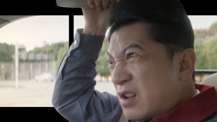 裸眼3d:《飞驰人生》沈腾自诩车神,这一脚油门下去车盖都飞了