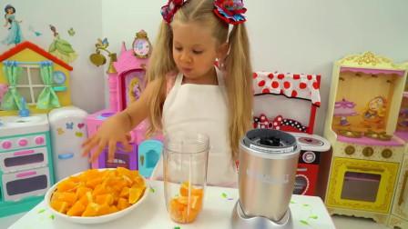 萌娃小可爱用新鲜的橘子给哥哥做美味的冰淇淋,小家伙的手艺可真棒呀,萌娃:哥哥有口福了!