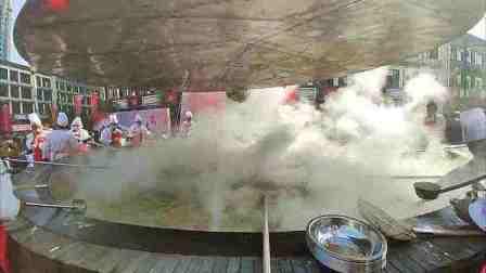 首届中国江西米粉节!7米大锅做鳜鱼煮粉,用了近3000斤米粉