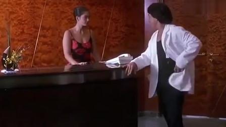 女神邀孟波一块游玩,孟波就被女友一锤打飞了
