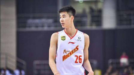 八一男篮30分惨败,王治郅点名批评郭昊文,一点情面都不给