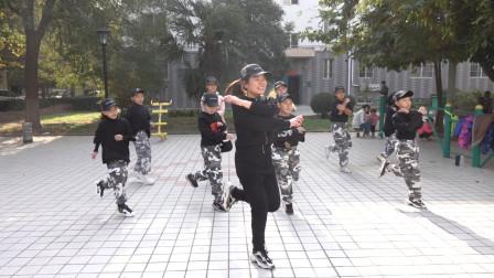 鬼步舞基础教学《毽子步》,简单2步,初学者必学舞步