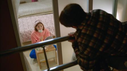 举重妖精金福珠:小哥哥半夜爬窗进女生宿舍,小姐姐看到的那刻,懵住了
