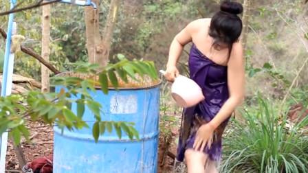 实拍缅甸农村美女户外洗澡,看完躁动不安,马上买机票!