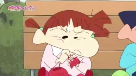 蜡笔小新少儿动画片 :阿呆这么有女子力教小新织围巾,小新竟都能把自己缠着