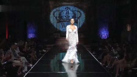 白色缕空连衣裙,黑白配,突显气质高贵
