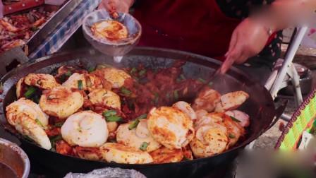 陕西大娘跟会卖小吃12一碗,一天卖500碗,老顾客撵着吃