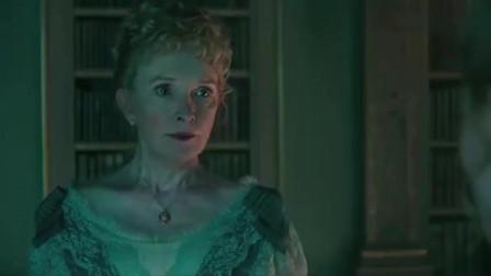 爱丽丝梦游仙境:爱丽丝与母亲争吵,被蝴蝶引到了奇怪的世界