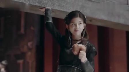 择天记:小黑龙真霸气,众人合力抬不动的门,她却轻松搞定!
