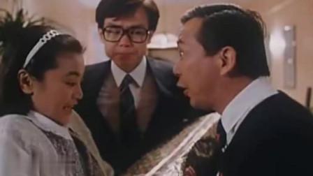 老王和妻子秀恩爱,丈夫在旁边指导,真是不按套路出牌