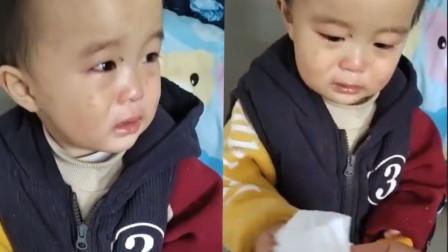 哭笑不得!2岁萌娃入园第1天哭着找帅哥 老师懵了