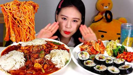 """韩国吃播:""""辣炒章鱼+素面+金枪鱼紫菜包饭"""",搭配泡菜吃得真香"""