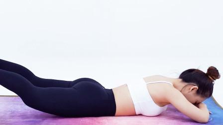俯卧抬腿看似很简单,却是塑造饱满臀型的经典,臀大肌很满意