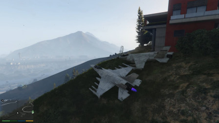 GTA5:军用飞机从山上1000米高飞下,30秒后坠海