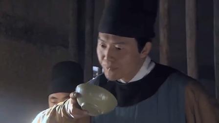 凰图腾:狱卒欺负风燕,谁料皇上正好赶到,顿时大怒诛狱卒九族