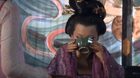 凰图腾:风萤给皇后送堕胎药,谁料皇后喝完没反应,风萤都懵了