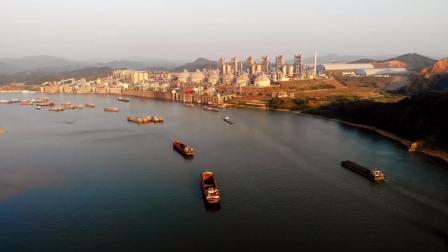 航拍广东肇庆华润水泥厂,封开最大的企业,太会选址了