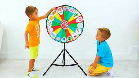 萌娃小可愛們的魔法轉盤可真是有趣呢兩個小家伙玩的可開心了一萌娃哈哈快跑啊