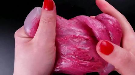 减压视频:剪开口红和减压球混合在一块,最后的颜色好少女心啊