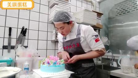 """小外甥过生日,我定制""""小猪佩琪 """"创意蛋糕,他见了特别开心!"""